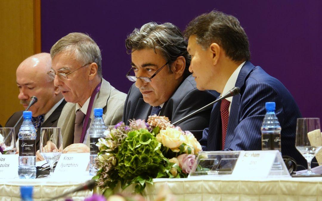 Baku – Kurkistus sisäpiirin ulkolaidalle: FIDE:n kongressi